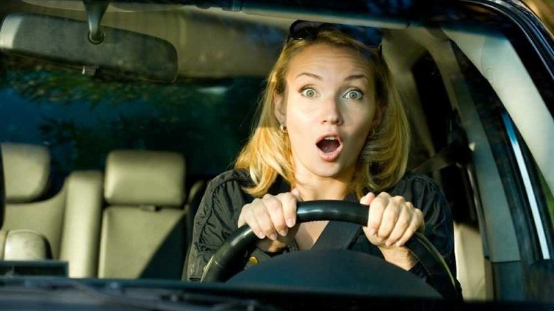 Как преодолеть страх вождения автомобиля новичку женщине, не бояться водить машину, перебороть страх, советы психолога, страх вождения